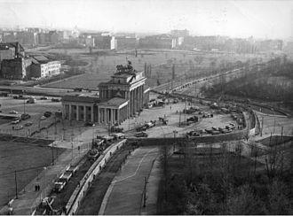 ブランデンブルク門とベルリンの壁